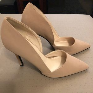 Nude D'orsay Pumps - size 9
